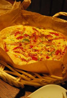 3種類のピザをオーダー。.JPG