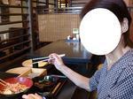 まめママままんは鮭といくらのチラシ&きのこ漬け汁の蕎麦。.JPG
