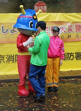 キュータ君は井戸端会議中。.JPG