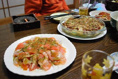 テーブルの上には、豪勢な料理の数々。.JPG