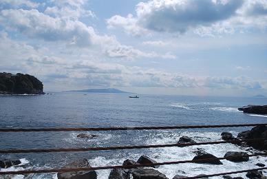 海を眺めながら1時間ほどのドライブ。.JPG