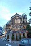 行きに通った教会もライトアップ。.JPG