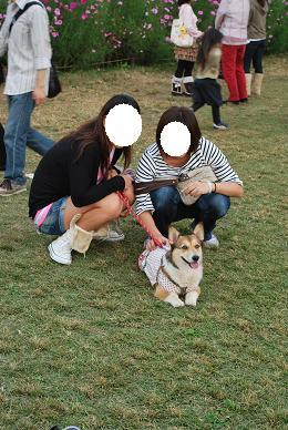 momoちゃんは彼女さん&彼女さんのお友達と共に。.JPG